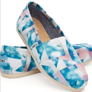 NWT Toms Women's Classic Clearwater Satin Cloud
